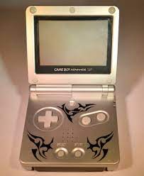 GameBoy Advance Sp Tribal Edition (K�ytetty)